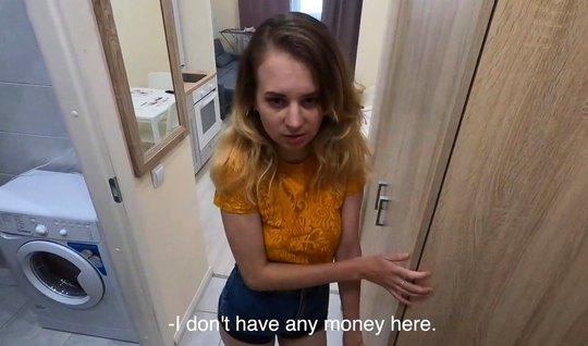 Русская девушка и ее друг решили снять в разных позах домашнее порно