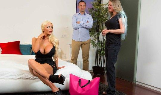 Муж изменяет своей жене с ее сестрой блондинкой, у которой очень больш...