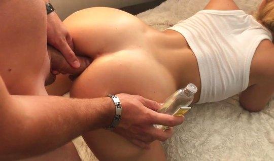 Супруга с большой попкой ради анального секса готов на домашнее порно...