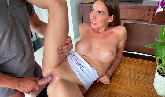 Девушка обожает горячий русский домашний секс на видео камеру...