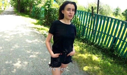 Пикапер на улице снял русскую девушку для съемки домашнего порно...