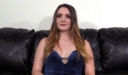 Агент на кастинге раскрутил молодую актрису на долгий вагинальный секс